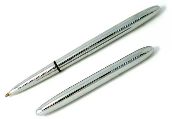 Fisher Bullet Space Pen, abierto y cerrado