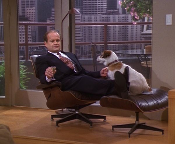 The-Eames-Lounger-was-a-regular-on-TV-Show-Frasier